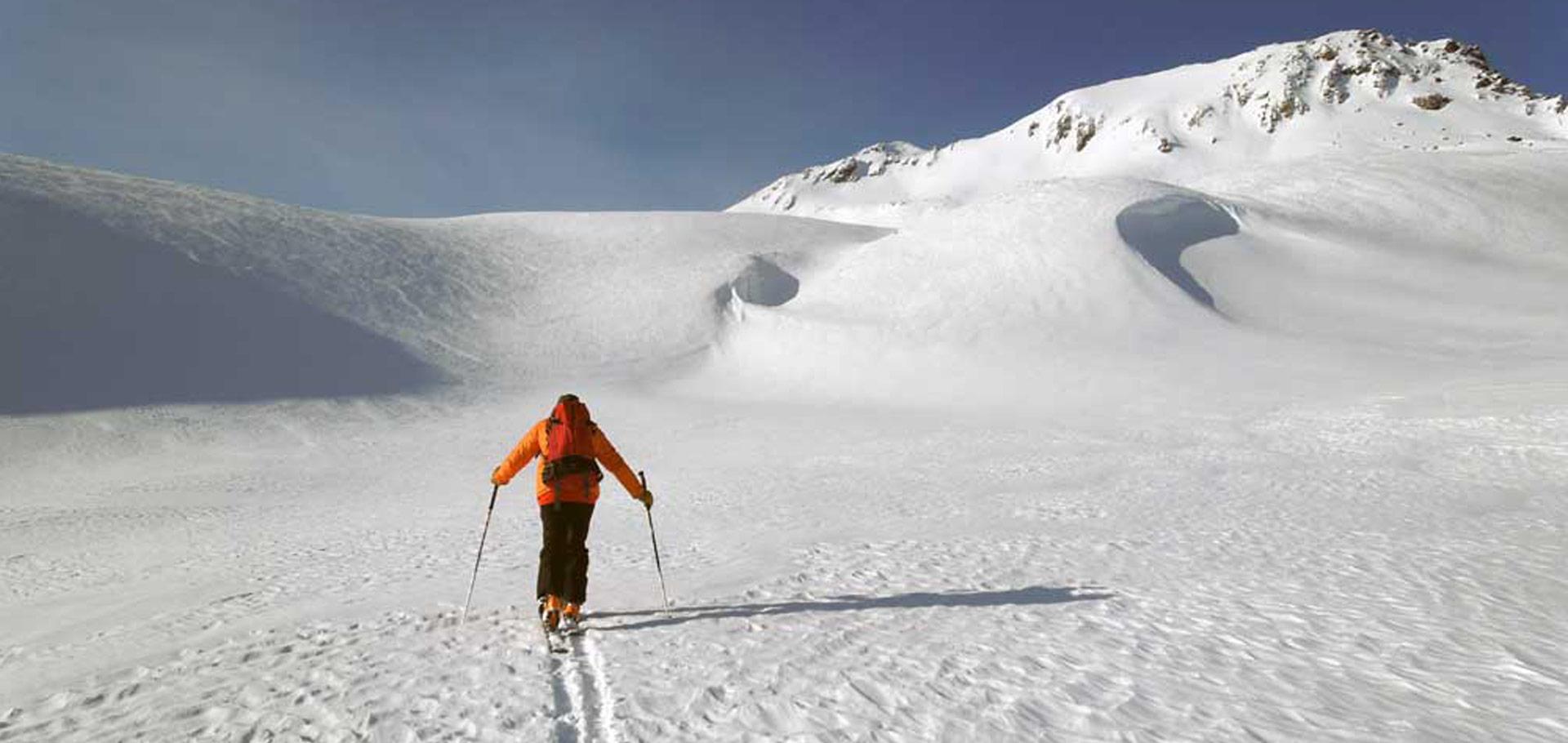 Faire la trace: gestion fine du risque en ski de randonnée